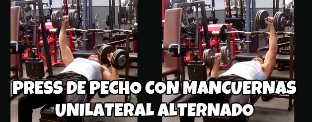 Press de pecho con mancuernas unilateral alternado